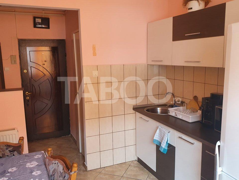 Apartament de inchiriat 2 camere 2 balcoane zona Mihai Viteazu Sibiu 3