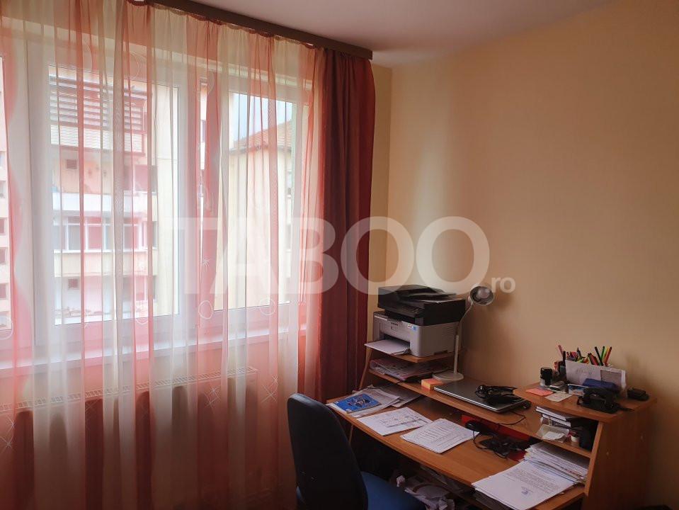 Apartament de inchiriat 2 camere 2 balcoane zona Mihai Viteazu Sibiu 5