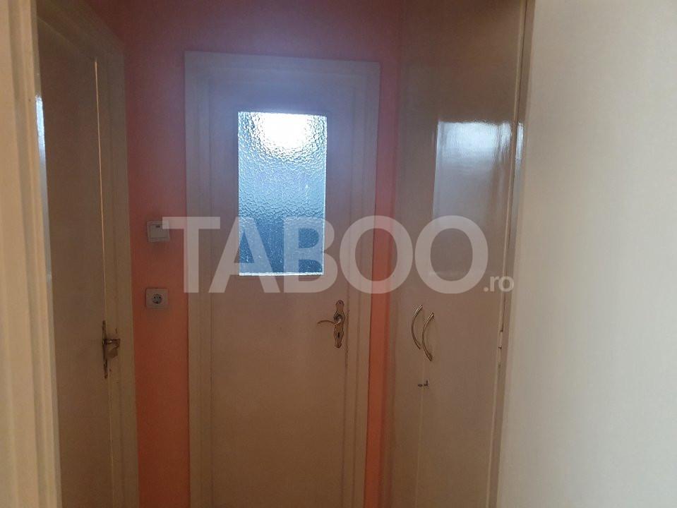 Apartament de inchiriat 2 camere 2 balcoane zona Mihai Viteazu Sibiu 11