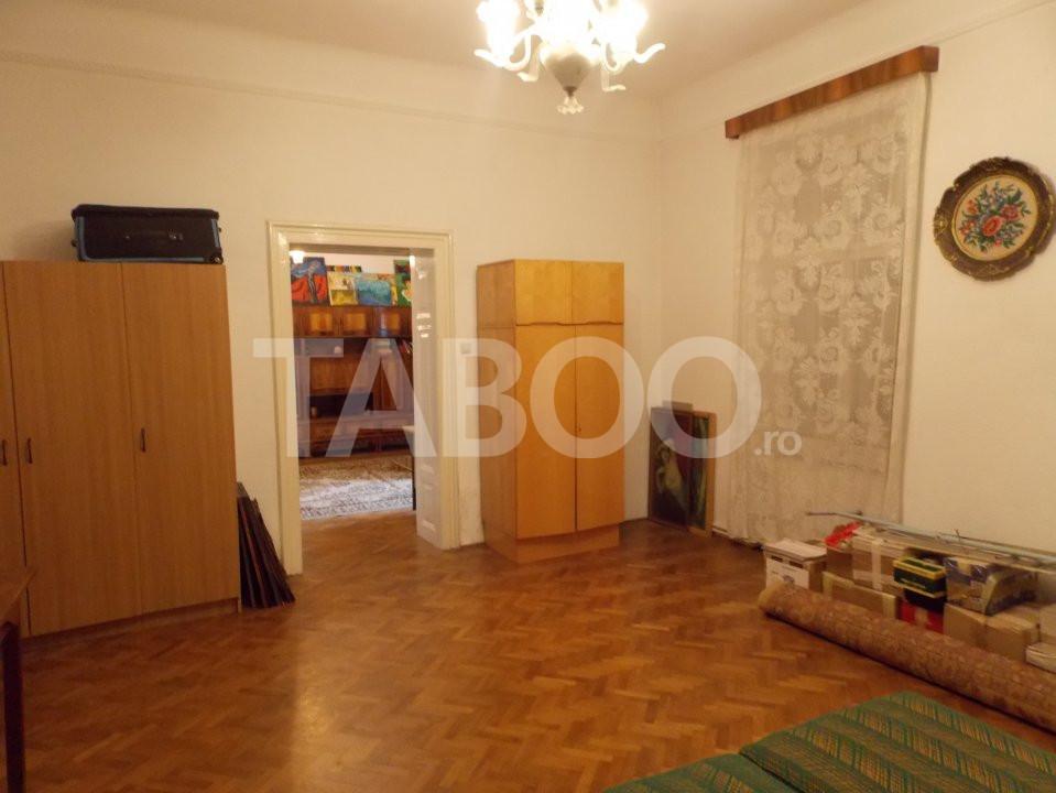 Apartament 4 camere cu Garaj de inchiriat Sibiu Central pretabil Birou 4