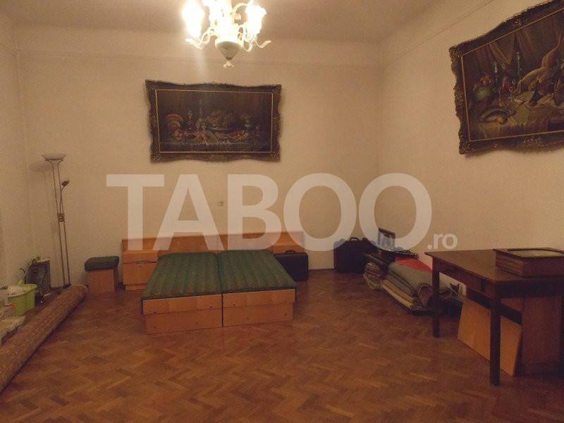 Apartament 4 camere cu Garaj de inchiriat Sibiu Central pretabil Birou 8
