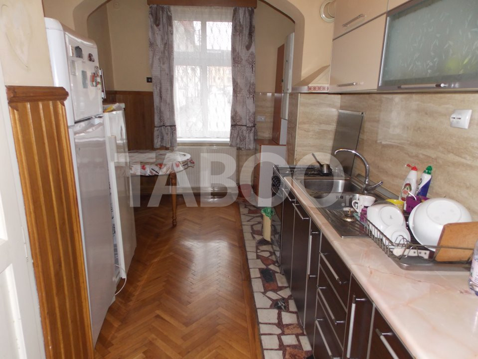 Apartament 4 camere cu Garaj de inchiriat Sibiu Central pretabil Birou 9