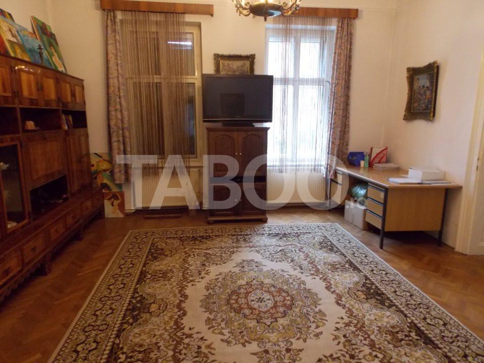 Apartament 4 camere cu Garaj de inchiriat Sibiu Central pretabil Birou 1