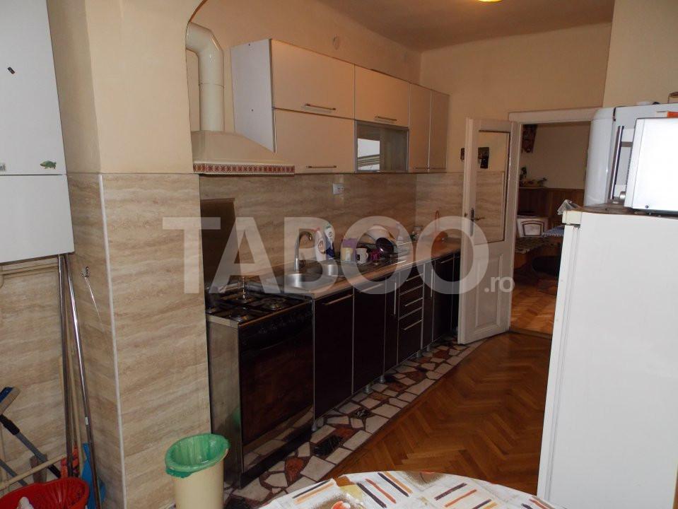 Apartament 4 camere cu Garaj de inchiriat Sibiu Central pretabil Birou 14