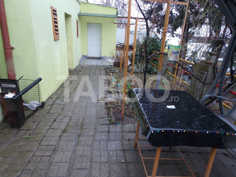 Apartament 4 camere cu Garaj de inchiriat Sibiu Central pretabil Birou 16
