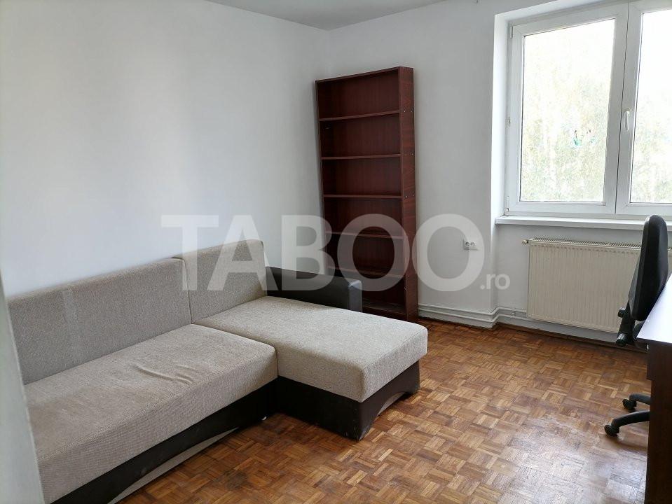 Apartament de vanzare recent renovat 2 camere in Sibiu zona Rahovei 1