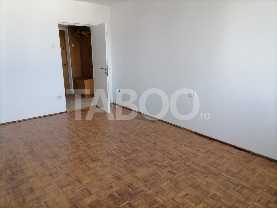 Apartament de vanzare recent renovat 2 camere in Sibiu zona Rahovei 3