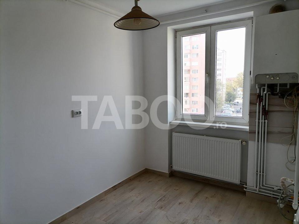 Apartament de vanzare recent renovat 2 camere in Sibiu zona Rahovei 13