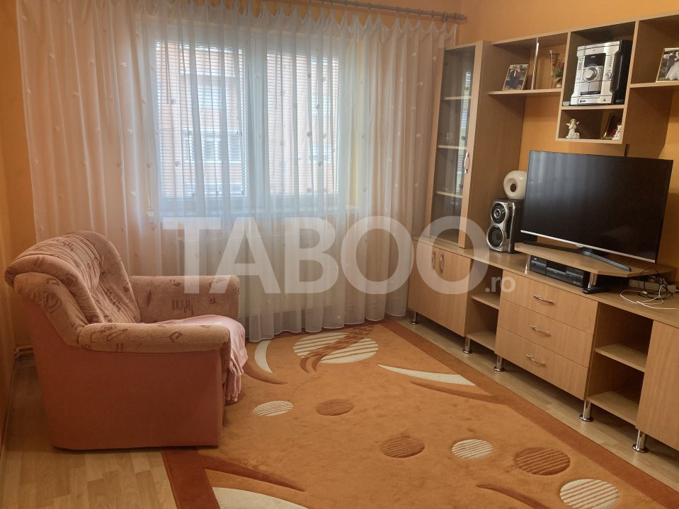 Apartament 3 camere in Sibiu zona Vasile Aaron 1