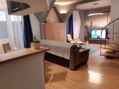 De vanzare apartament 3 camere cu balcon zona Centrala Sibiu
