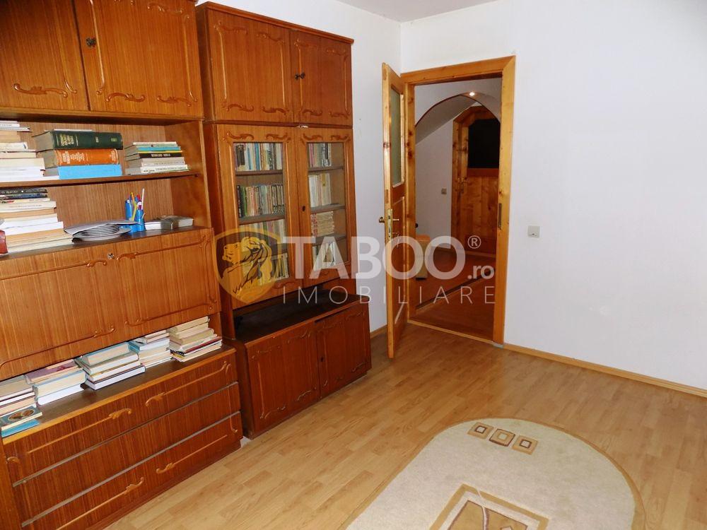 Apartament modern la vila cu 5 camere si 2 bai in Sibiu zona Strand 21