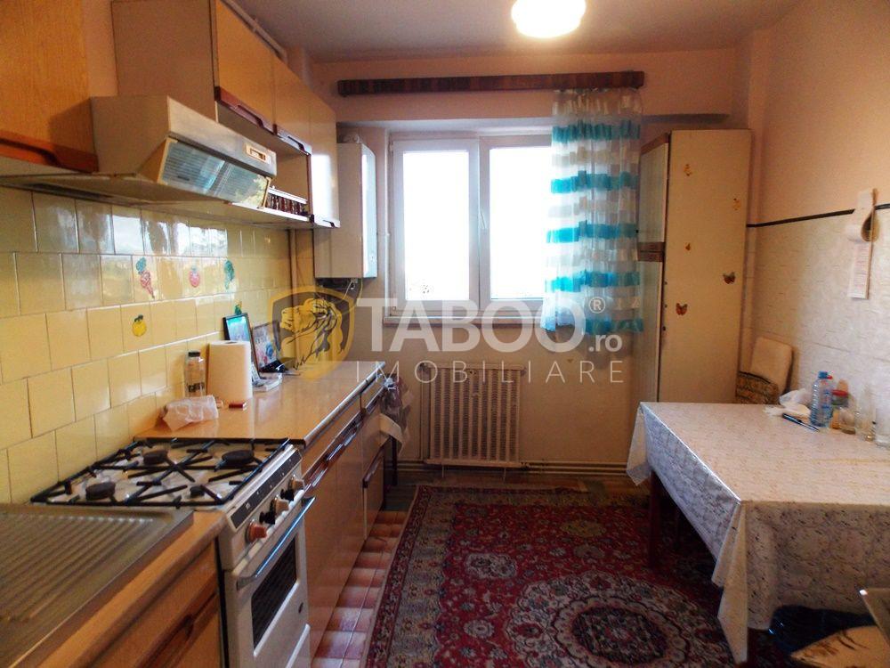 Singurul apartament de pe strada Uzinei cu 3 camere decomandate 80 mp 1