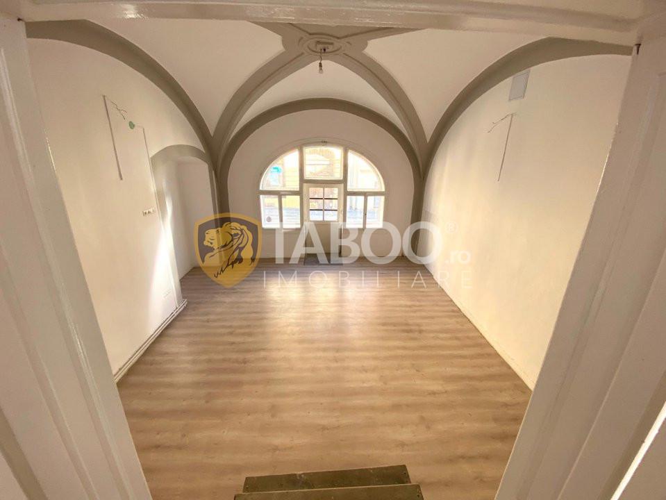 Spatiu comercial 77 mp cu vitrina de inchiriat Centrul Istoric Sibiu 1