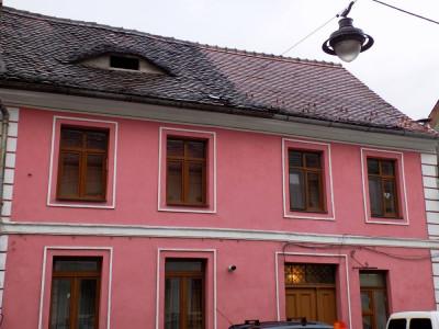 Apartament la casa cu 4 camere pe strada Tipografilor centrul Sibiului