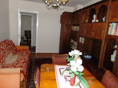Apartament de inchiriat 3 camere 2 garaje 2 balcoane in Sibiu Lazaret