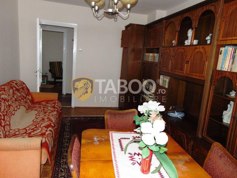 Apartament de inchiriat 3 camere 2 garaje 2 balcoane in Sibiu Lazaret 4