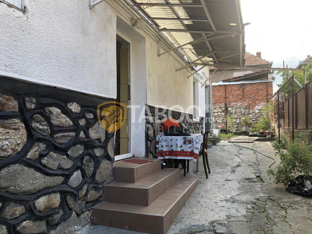Casa spatioasa 3 camere de vanzare in Cisnadie 1