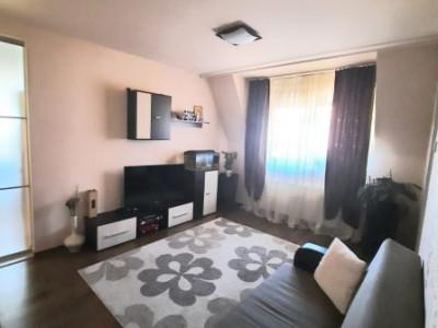 Apartament de vanzare 3 camere decomandate 73 mp in Sibiu zona Strand