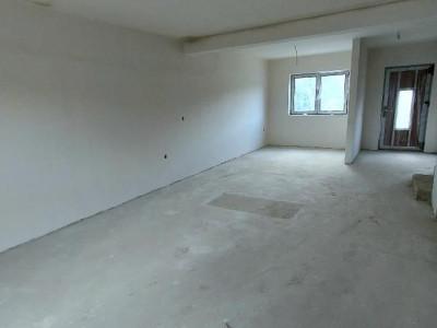 Duplex nou parter etaj pod si curte individuala zona Primaria Selimbar