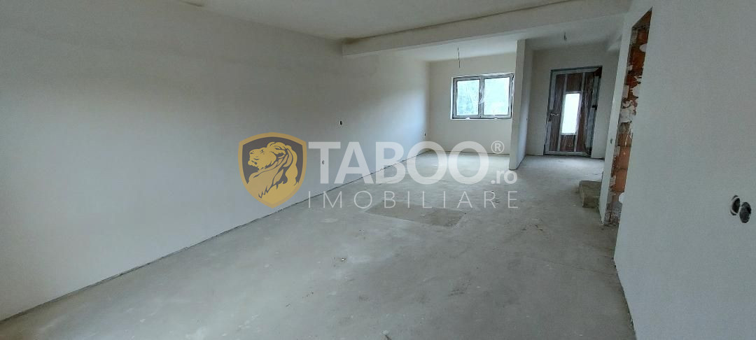Duplex nou parter etaj pod si curte individuala zona Primaria Selimbar 2
