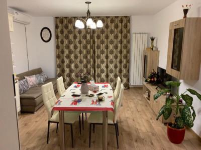 Apartament de vanzare 3 camere si curte 95 mp Sibiu Calea Cisnadiei
