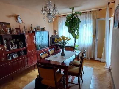 Apartament 3 camere 64 mp utili si pivnita zona Vasile Aaron in Sibiu