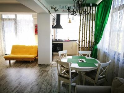 Apartament de lux 3 camere decomandate balcon de vanzare in Sibiu