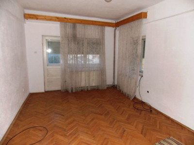 Casa 10 camere 600 mp teren pretabila pensiune zona Calea Dumbravii