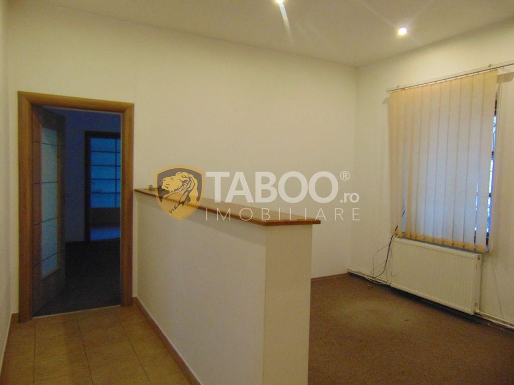 Spatiu birouri 5 camere 60 mp utili de inchiriat zona Victoriei Sibiu 1