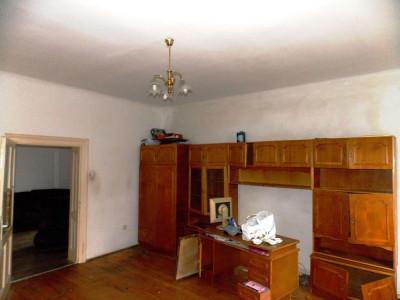 Casa de vanzare cu 2 camere pretabila spatii de birouri in Sibiu zona Turnisor