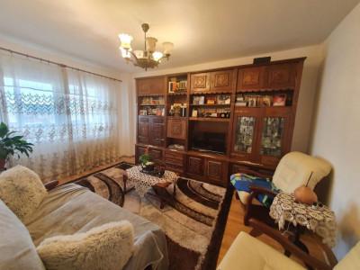 Apartament 4 camere 80 mp de vanzare pe Bulevardul Mihai Viteazu