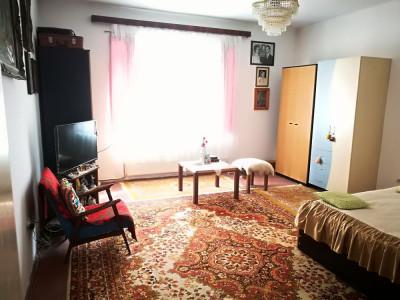 Casa cu 6 camere 246 mp utili de vanzare in Sibiu zona Terezian