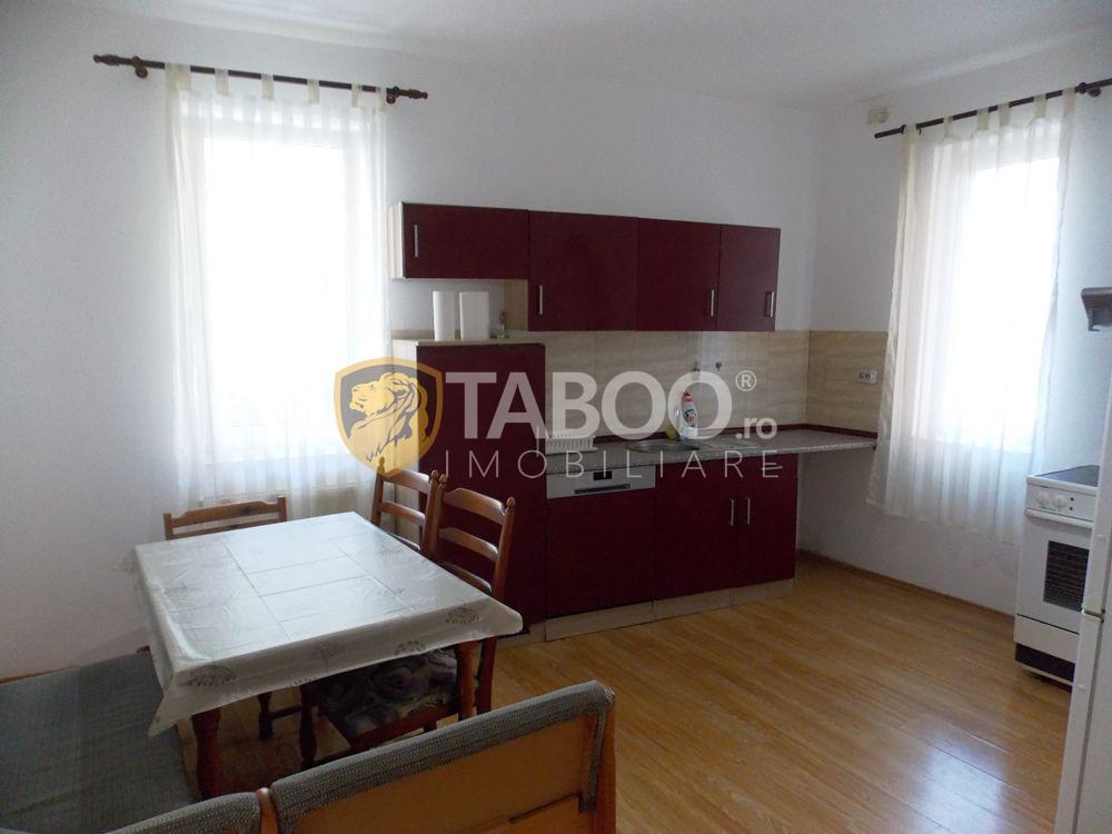 Apartament de inchiriat cu 3 camere si 2 bai in Sibiu zona Strand 1