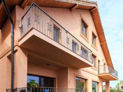 Vila de lux cu 7 camere cu utilitati incluse in zona Calea Dumbravii
