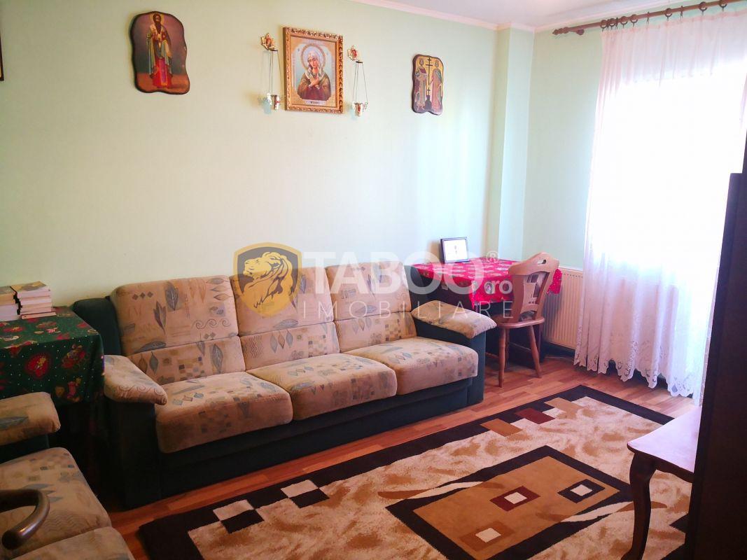 Apartament 4 camere decomadate 2 bai Bulevardul Mihai Viteazu Sibiu 1