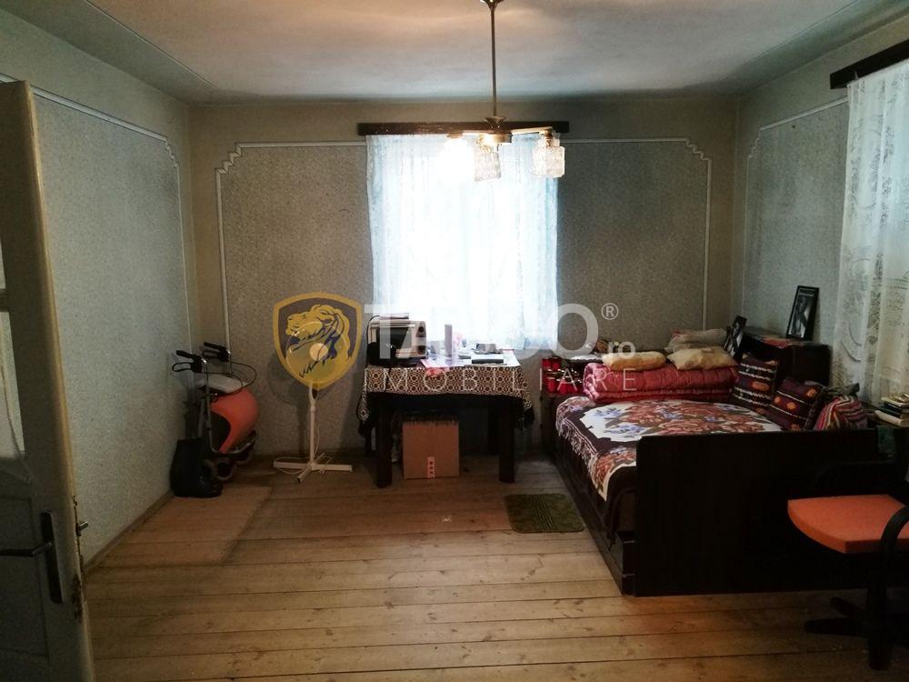 Apartament spatios la casa de vanzare 3 camere in Sibiu zona Lazaret 2