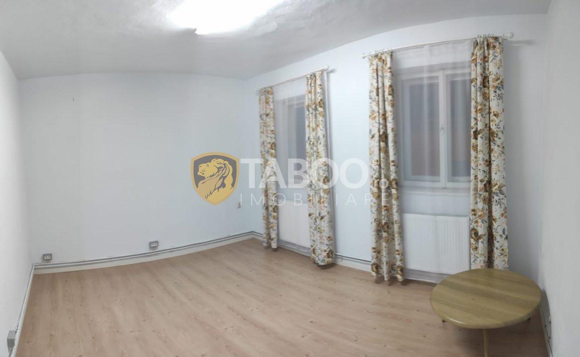 Apartament de inchiriat 2 camere decomandate in Centru Sibiu 1