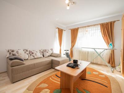 Apartament 2 camere etaj 1 cu balcon si parcare zona Calea Cisnadiei