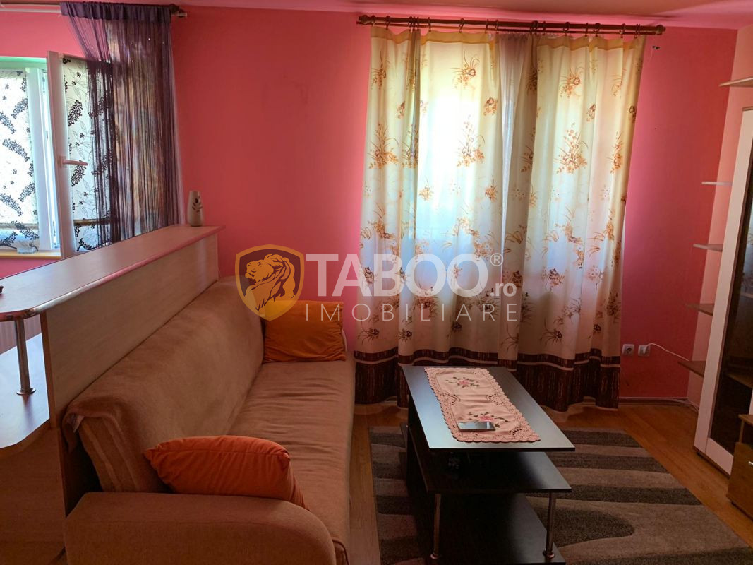 Apartament cu 3 camere 82 mp utili zona Vasile Aaron in Sibiu 1