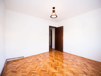 Apartament 2 camere cu balcon 54 mp utili in zona Vasile Aron