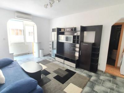 Apartament 3 camere, balcon si pivinita de vanzare in Vasile Aaron