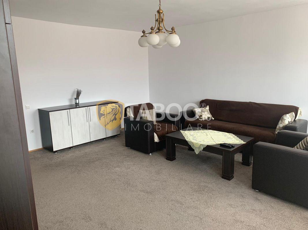 Apartament la casă cu 3 camere de închiriat în Sibiu zona Piața Cluj 1