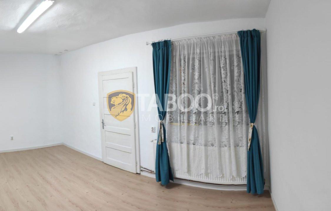 Apartament la casa 2 camere pivnita si pod zona Orasul de Jos Sibiu 1