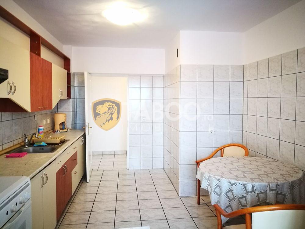 Apartament 4 camere 120 mp utili si 2 terase pe Mihai Viteazu 7