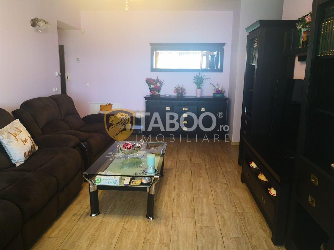 Apartament modern 3 camere 2 bai si loc de parcare in Sibiu 1