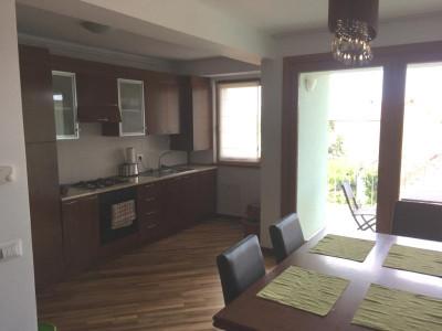Apartament cu 3 camere 89 mp de inchiriat pe Calea Dumbravii in Sibiu