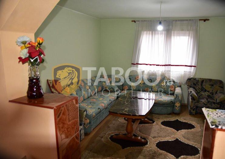 Vila cu 6 camere de vanzare in Sacel judetul Sibiu 1