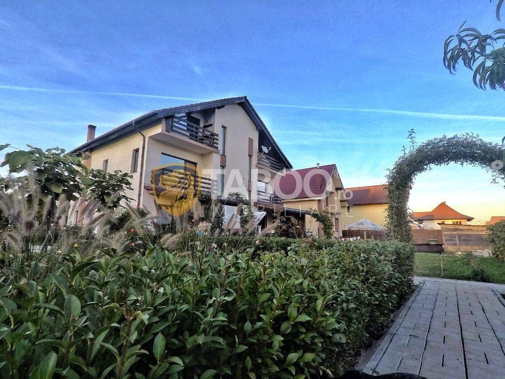 Casa individuala cu 890 mp curte libera de vanzare Calea Cisnadiei 6