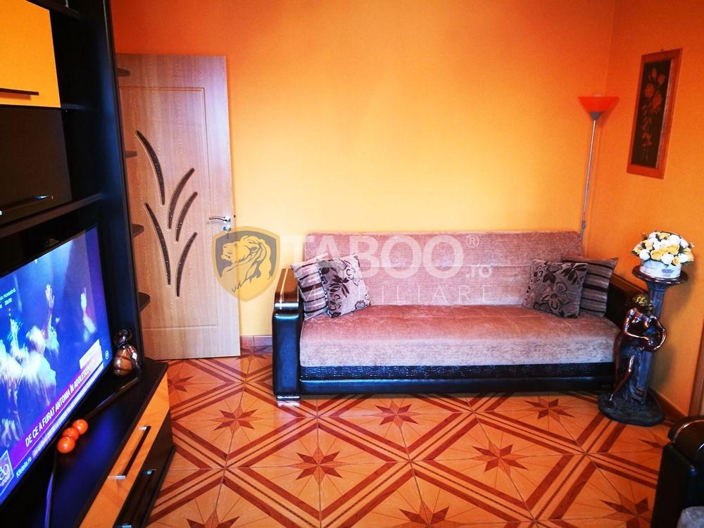 Apartament 3 camere mobilate utilate de vanzare in Sibiu zona Cedonia 1