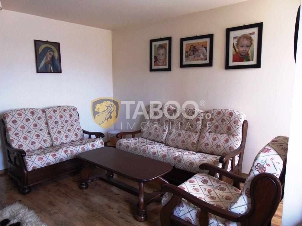 De vanzare penthouse cu 2 locuri de parcare in Selimbar Sibiu 1